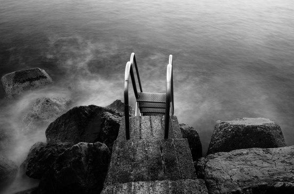 sea-photo-long-exposure-photography-paysage-landscapes-seascapes-nikon-black-and-white-rocks-france-nice-contrast-vibrance-fine-art