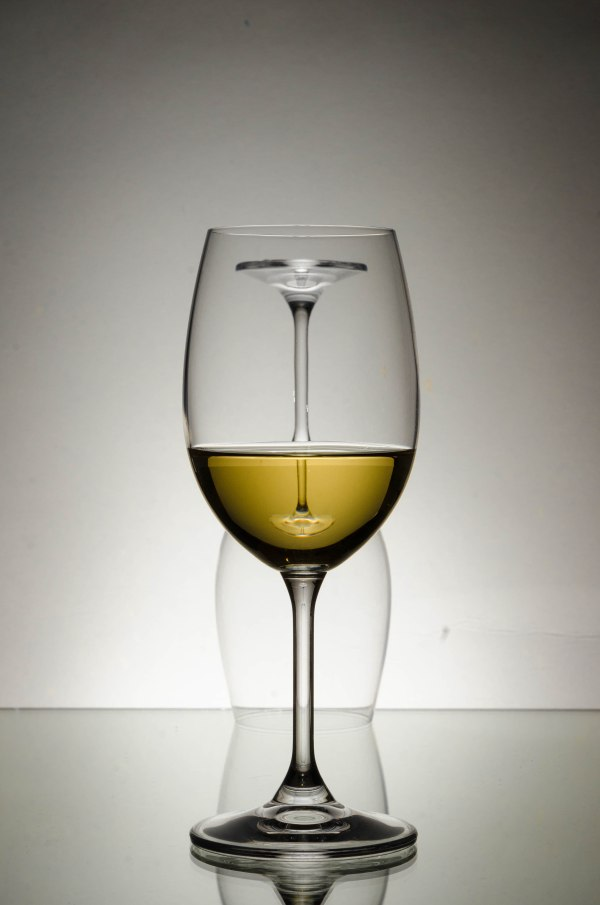 White wine's Glasses photography with nikon